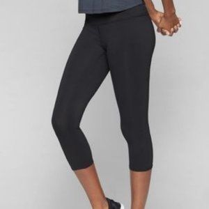 Athleta Black Sonar Capri Legging